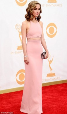 Rose Byrne in this dress is everything to me. It's is absolutely stunning on her!