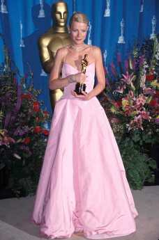 All hail the queen of pink! This Oscar dress worn by Gwyneth Paltrow is a classic and for good reason.